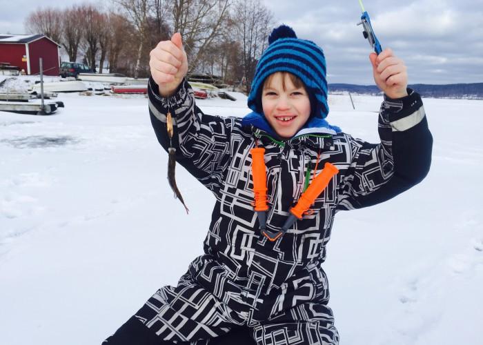 En rolig fiskedag på isen!